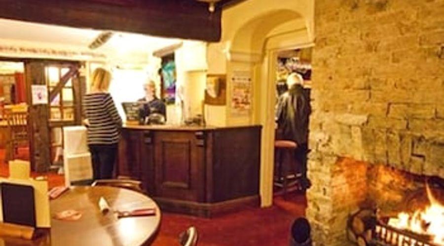Crossways Inn-6 of 12 photos