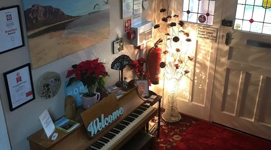 Lyndsay Guest House-3 of 61 photos