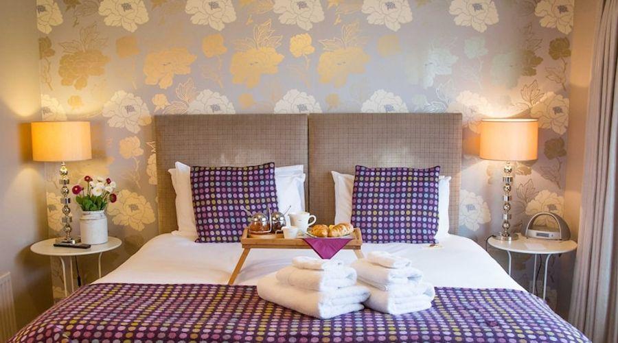 Fields Lodge Bed & Breakfast-2 of 27 photos
