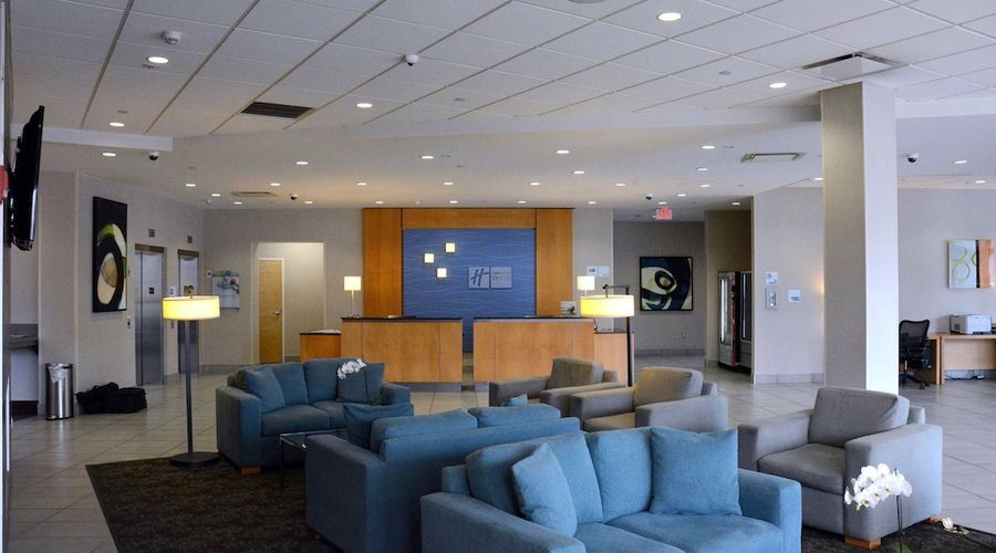Holiday Inn Express and Suites Stamford-5 of 24 photos