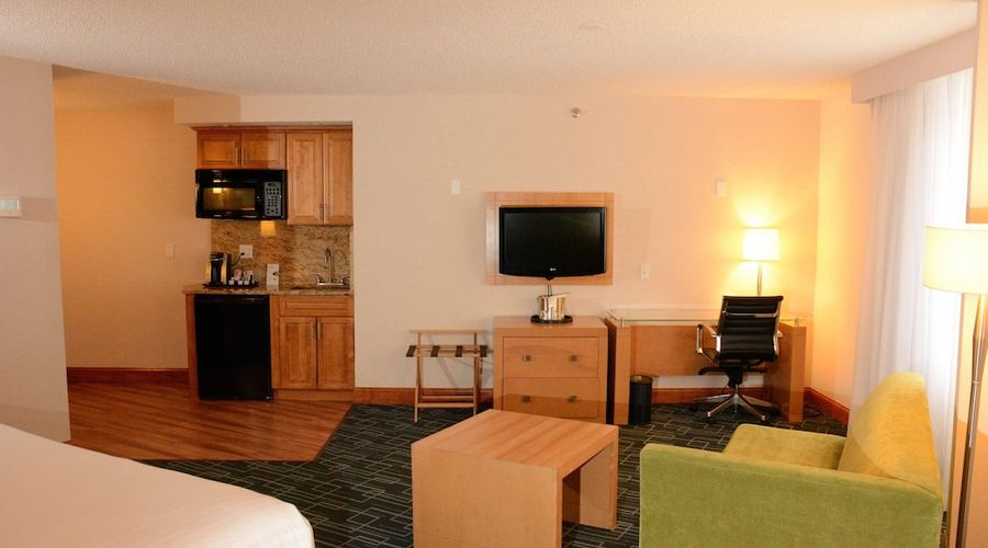 Holiday Inn Express and Suites Stamford-7 of 24 photos