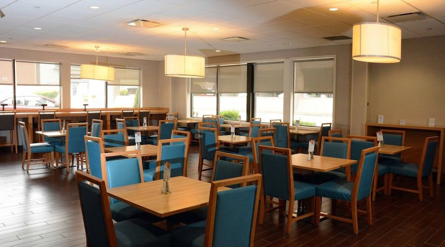 Holiday Inn Express and Suites Stamford-4 of 24 photos