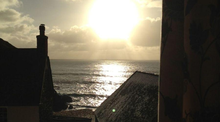 Cadgwith Cove Inn-13 of 17 photos
