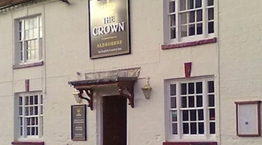 Crown at Aldbourne-1 of 26 photos