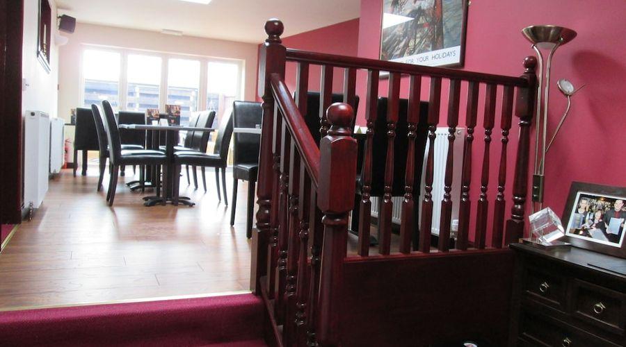 Robertson Arms Hotel-17 of 35 photos