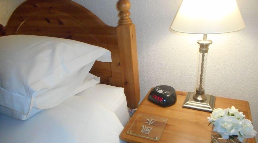 Robertson Arms Hotel-3 of 35 photos