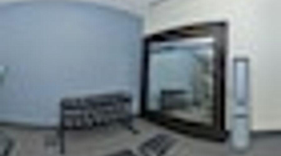 Hampton Inn & Suites Greensboro/Coliseum Area-21 of 36 photos