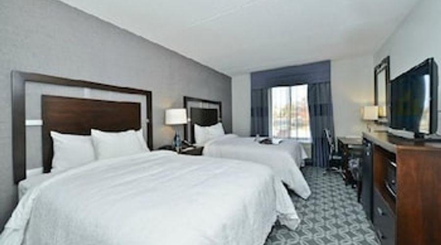 Hampton Inn & Suites Greensboro/Coliseum Area-13 of 36 photos
