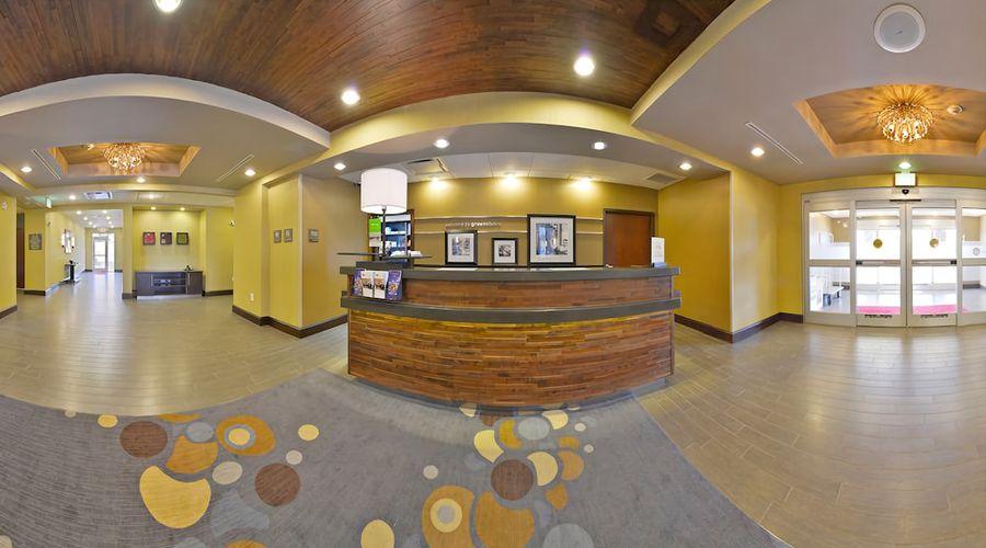 Hampton Inn & Suites Greensboro/Coliseum Area-3 of 36 photos