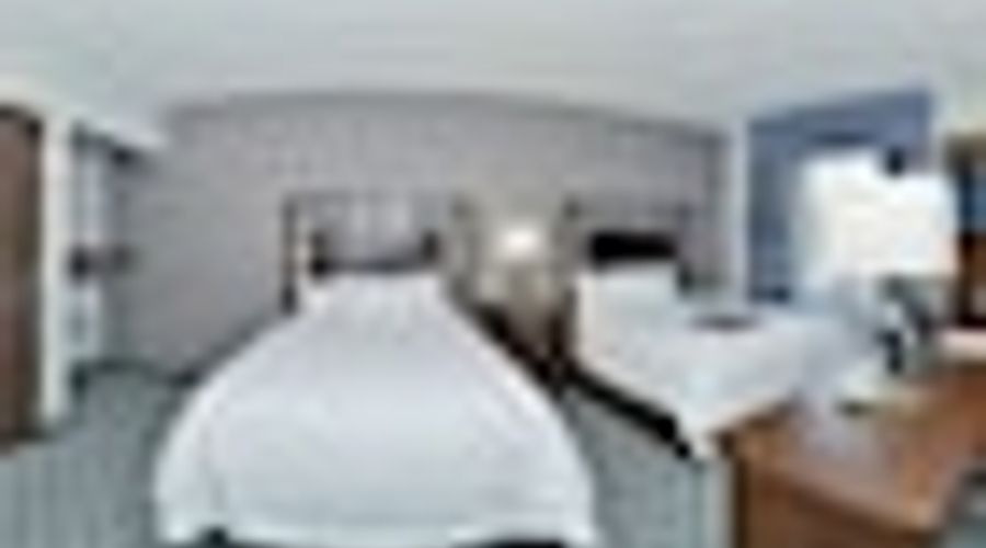 Hampton Inn & Suites Greensboro/Coliseum Area-8 of 36 photos