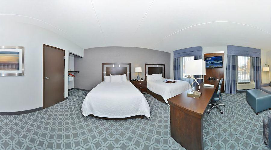 Hampton Inn & Suites Greensboro/Coliseum Area-14 of 36 photos