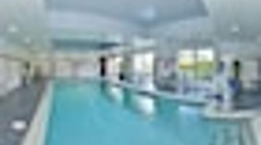 Hampton Inn & Suites Greensboro/Coliseum Area-19 of 36 photos