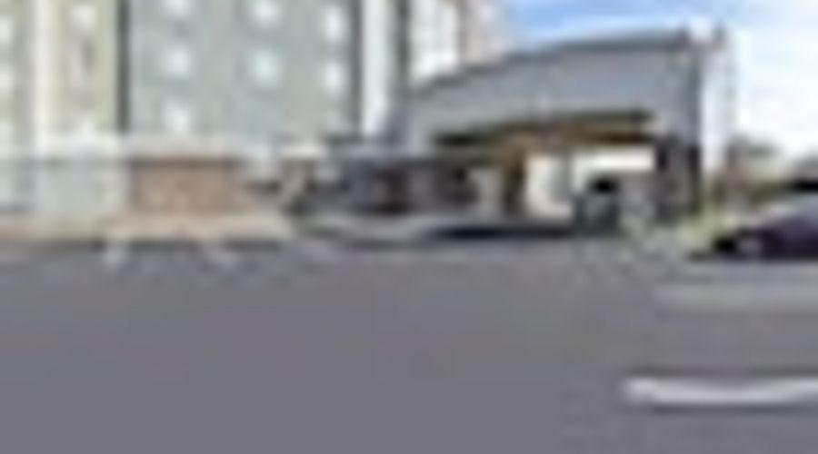Hampton Inn & Suites Greensboro/Coliseum Area-30 of 36 photos