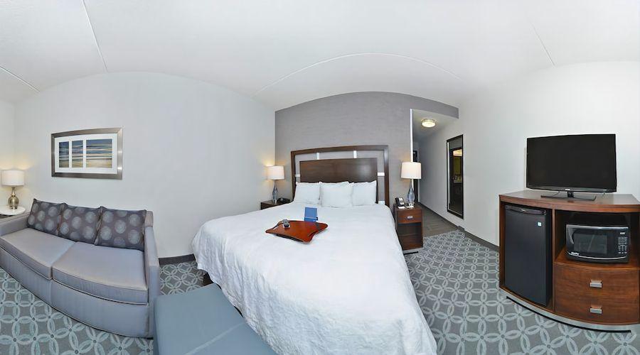 Hampton Inn & Suites Greensboro/Coliseum Area-18 of 36 photos