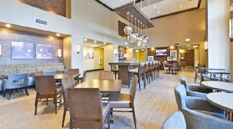 Hampton Inn & Suites Greensboro/Coliseum Area-24 of 36 photos
