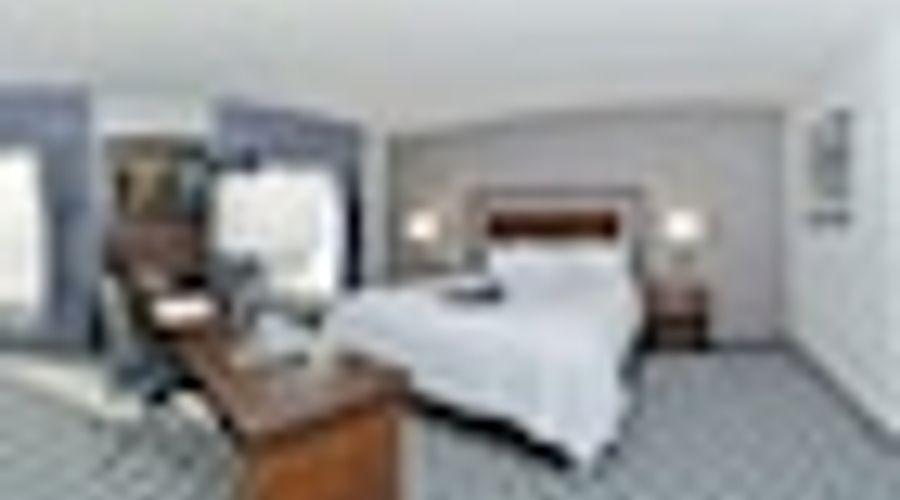 Hampton Inn & Suites Greensboro/Coliseum Area-10 of 36 photos