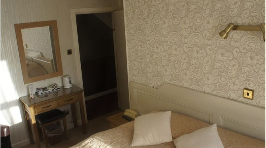 Plas Isa Hotel-6 of 40 photos