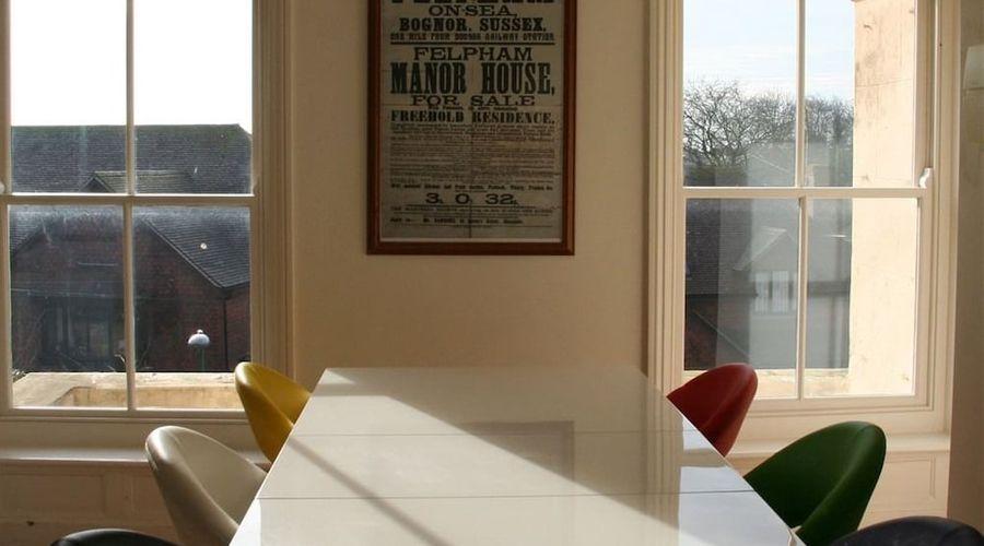Manor House, Felpham Serviced Apartments-22 of 44 photos