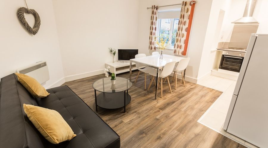 Meridian Apartments - Southend-9 of 17 photos