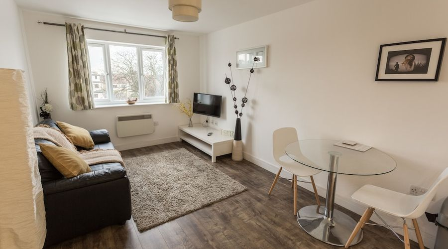 Meridian Apartments - Southend-12 of 17 photos