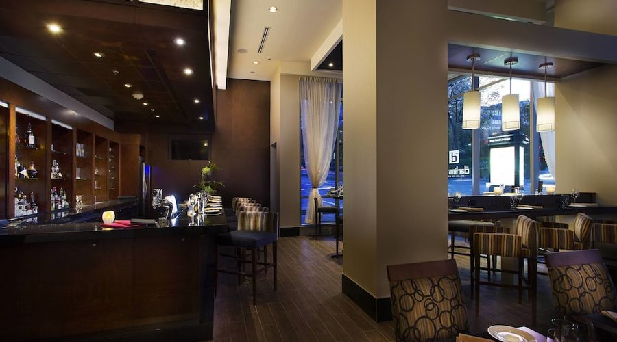Courtyard by Marriott Montreal Downtown-15 of 28 photos
