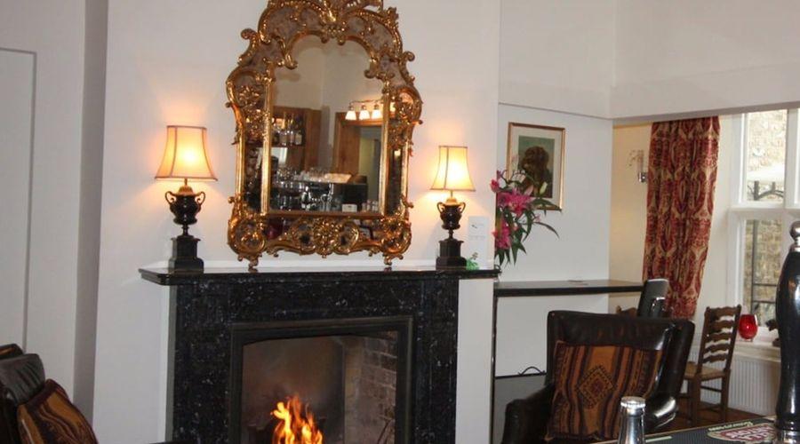 Monkton Court Hotel-14 of 19 photos