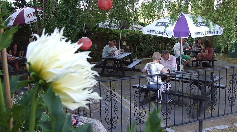 The Royal Oak Inn-26 of 29 photos