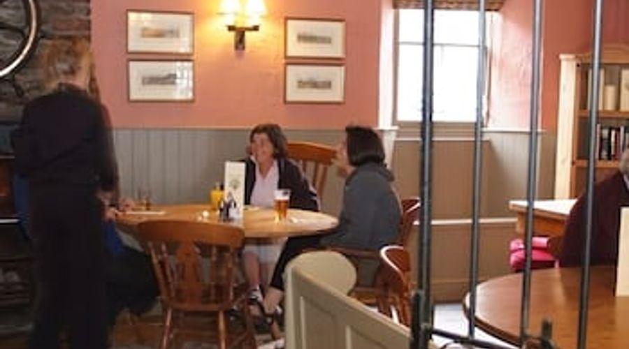 The Royal Oak Inn-10 of 29 photos