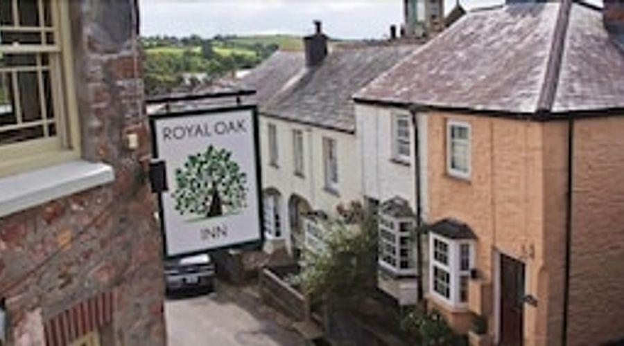 The Royal Oak Inn-1 of 29 photos