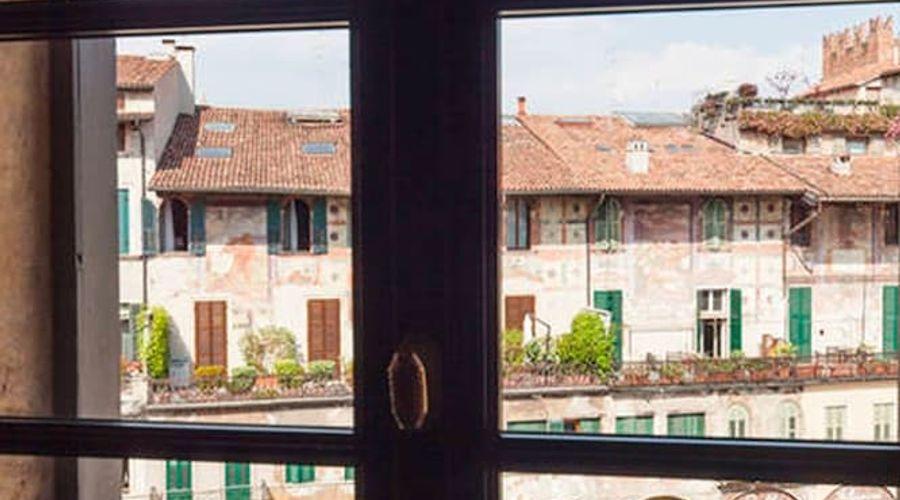 Truly Verona-212 of 213 photos