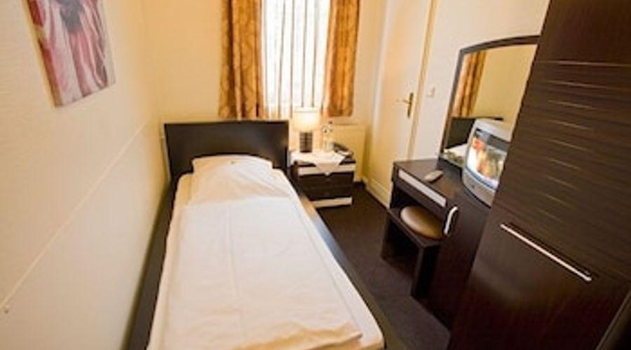 Centro Hotel Hamburg-2 of 11 photos