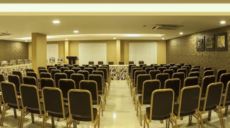 Abaam Hotel-20 of 22 photos