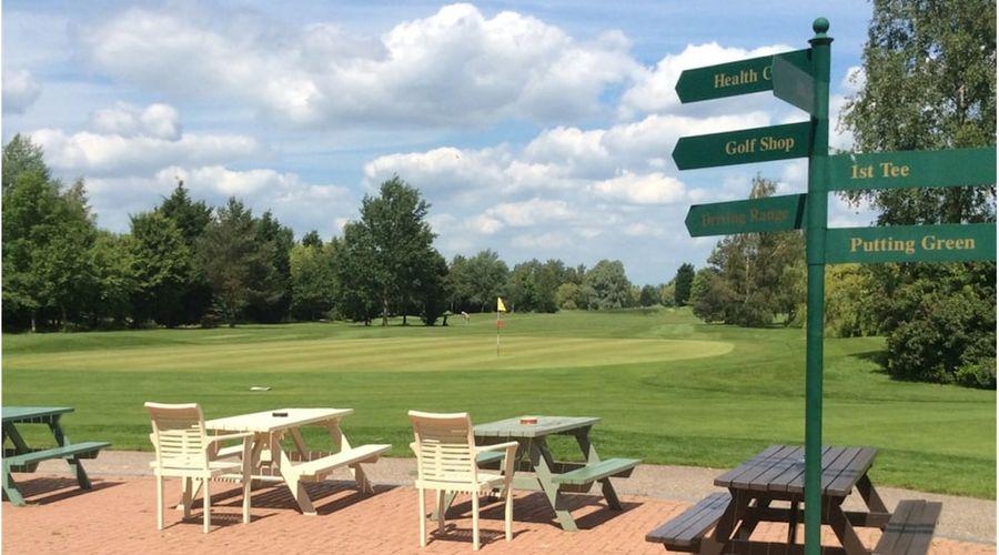 Lakeside Lodge Golf Centre-26 of 33 photos