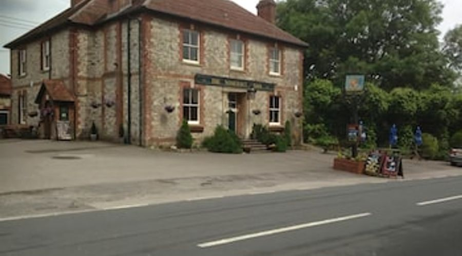 The Somerset Arms-1 of 17 photos