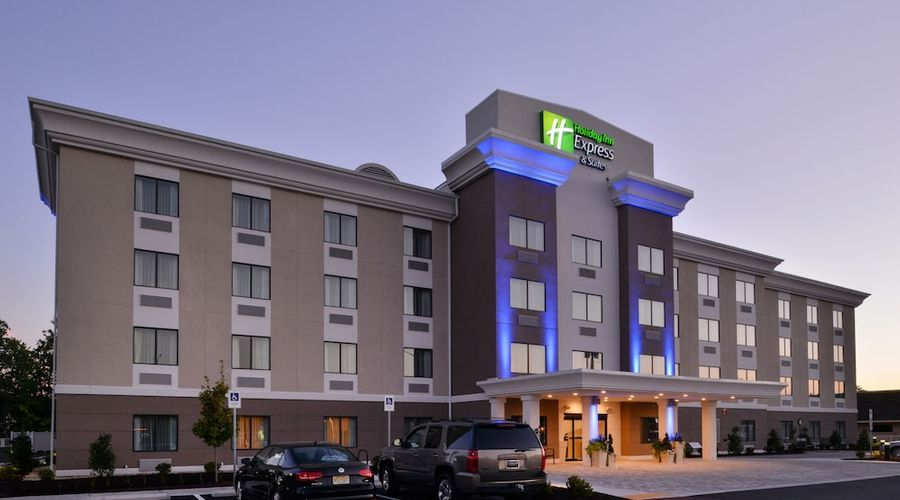 Holiday Inn Express & Suites West Ocean City-1 of 54 photos
