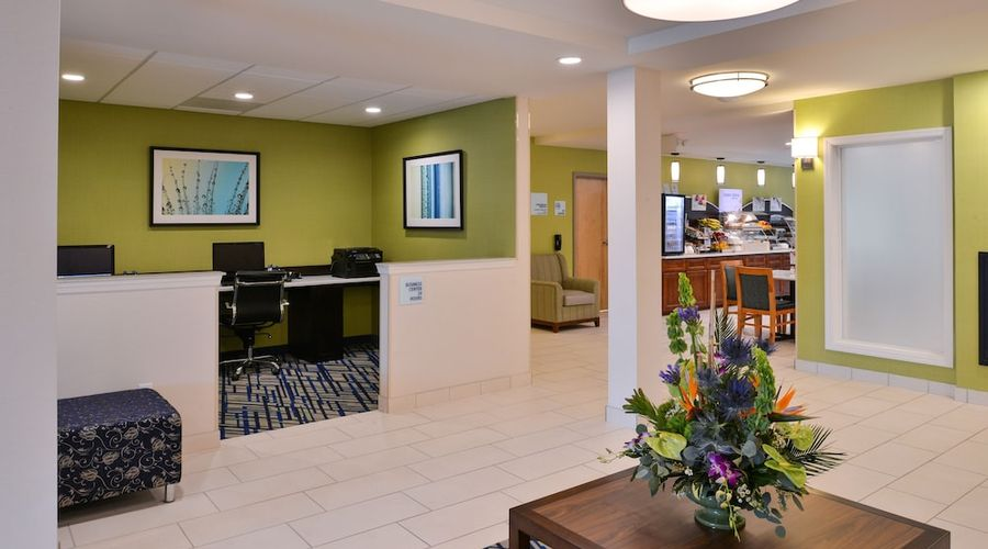 Holiday Inn Express & Suites West Ocean City-3 of 54 photos