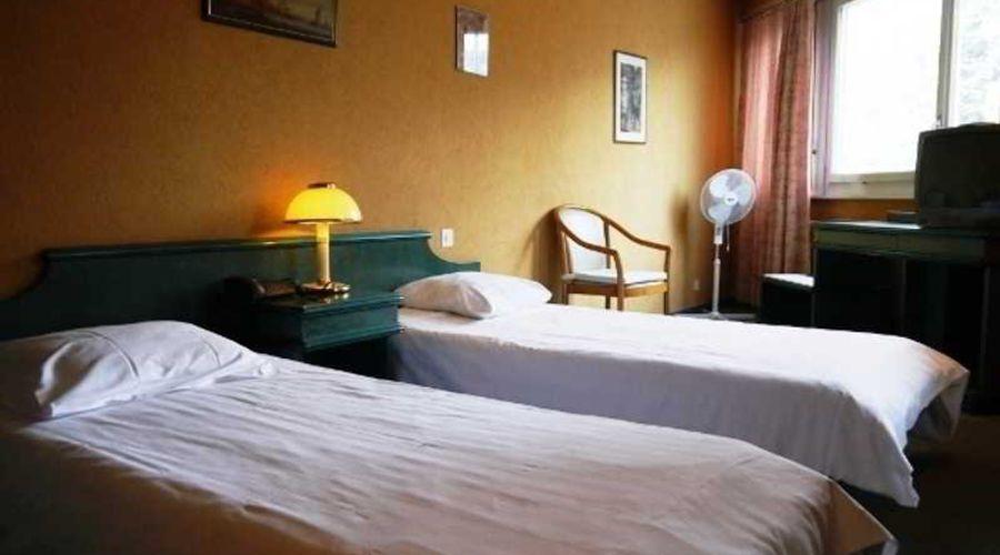 Hotel 33-6 of 10 photos
