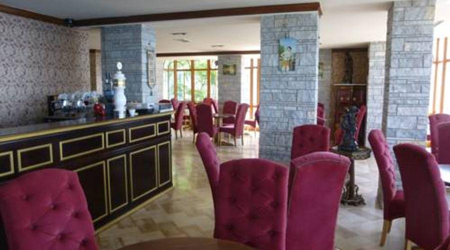 Hotel Il Conte Di Monte Cristo-11 of 12 photos