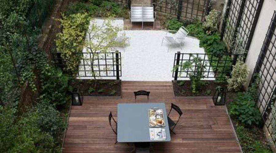 Le Singulier-1 من 12 الصور