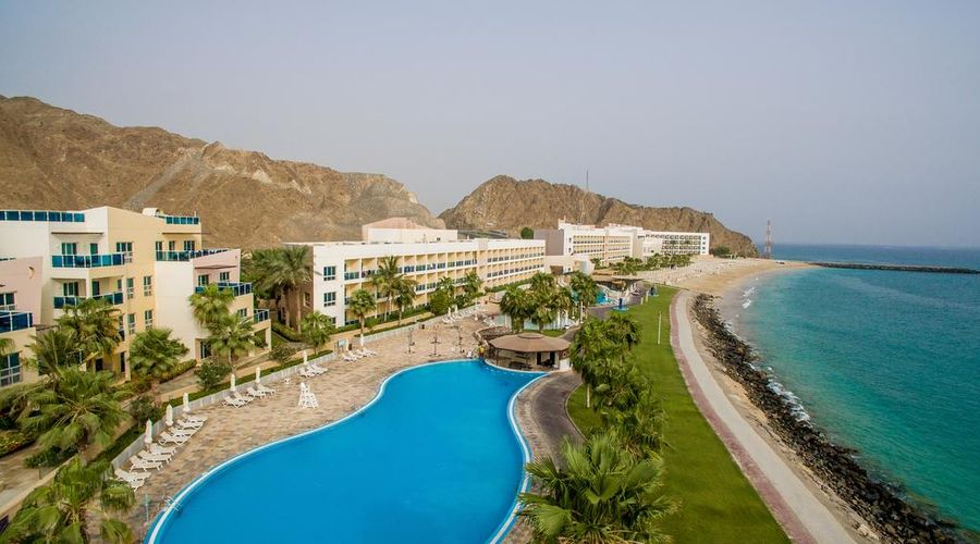 Radisson Blu Resort, Fujairah-1 of 29 photos