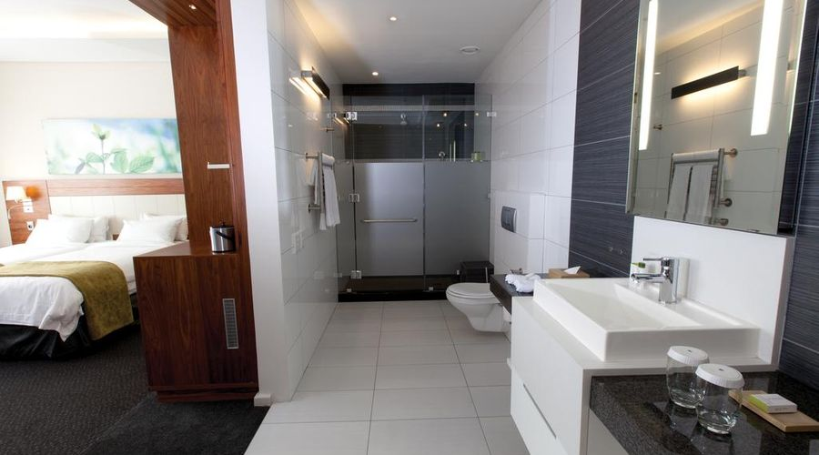 DoubleTree by Hilton Hotel Cape Town - Upper Eastside-32 of 42 photos