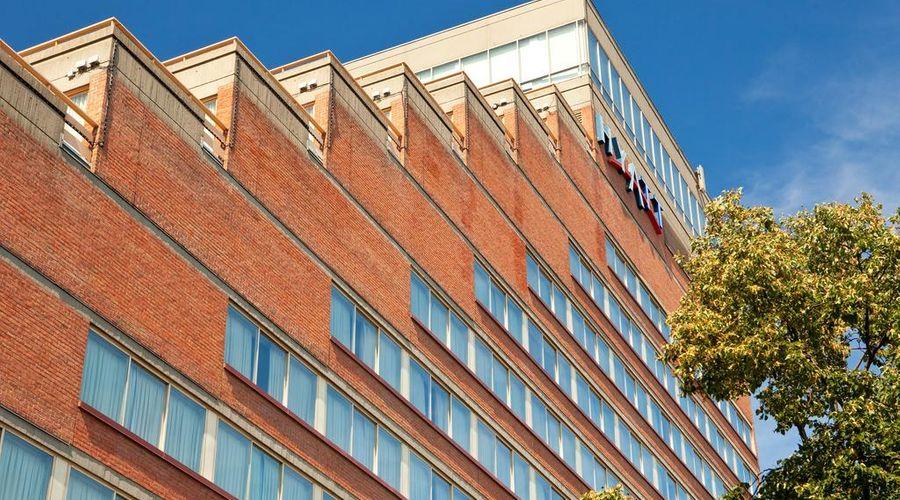 Hyatt Regency Cambridge, Overlooking Boston-7 of 46 photos