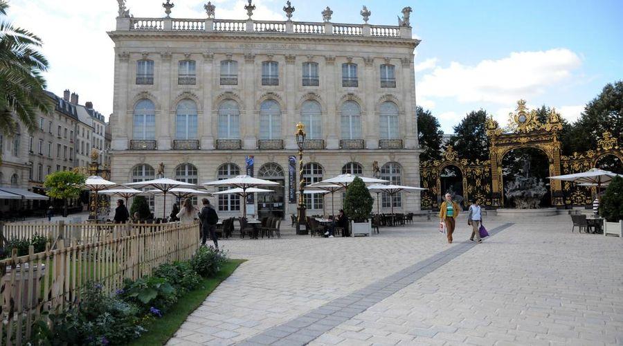 Grand Hotel de la Reine-1 of 49 photos