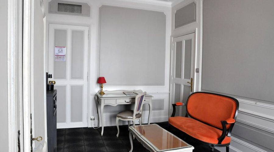 Grand Hotel de la Reine-14 of 49 photos