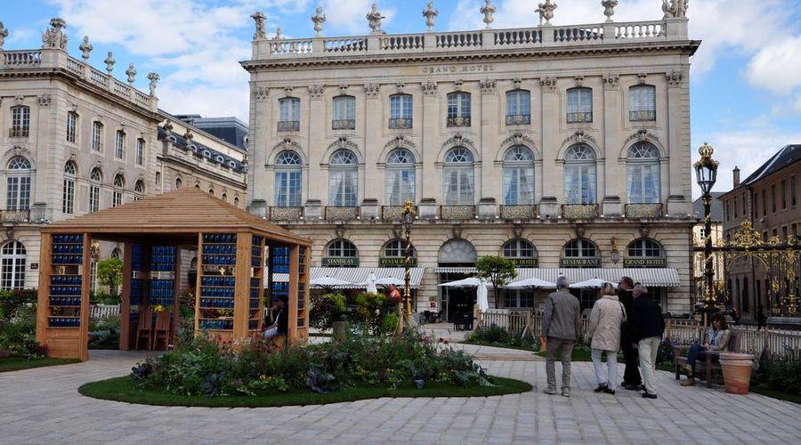 Grand Hotel de la Reine-2 of 49 photos