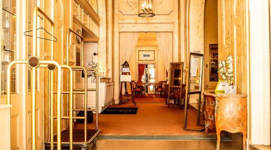 Grand Hotel de la Reine-41 of 49 photos