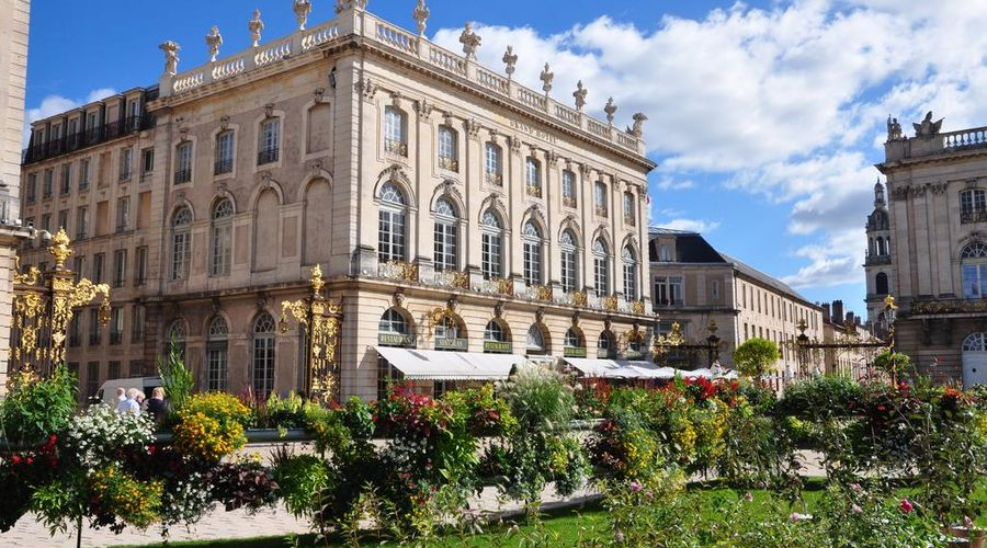 Grand Hotel de la Reine-4 of 49 photos