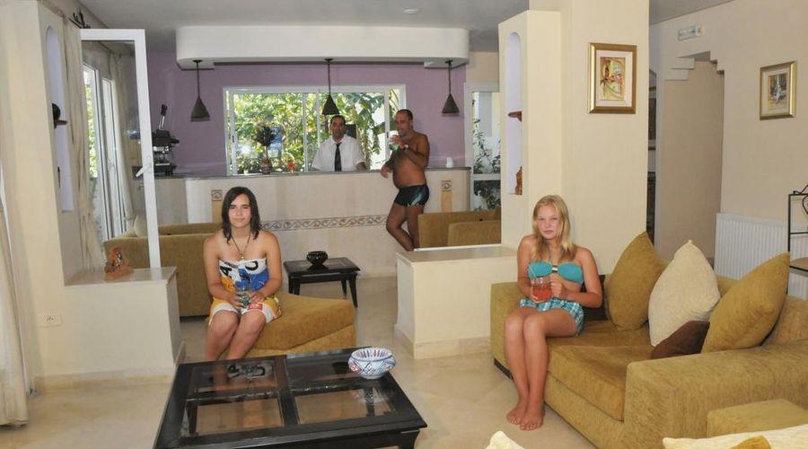 Hotel Residence Romane-5 of 46 photos