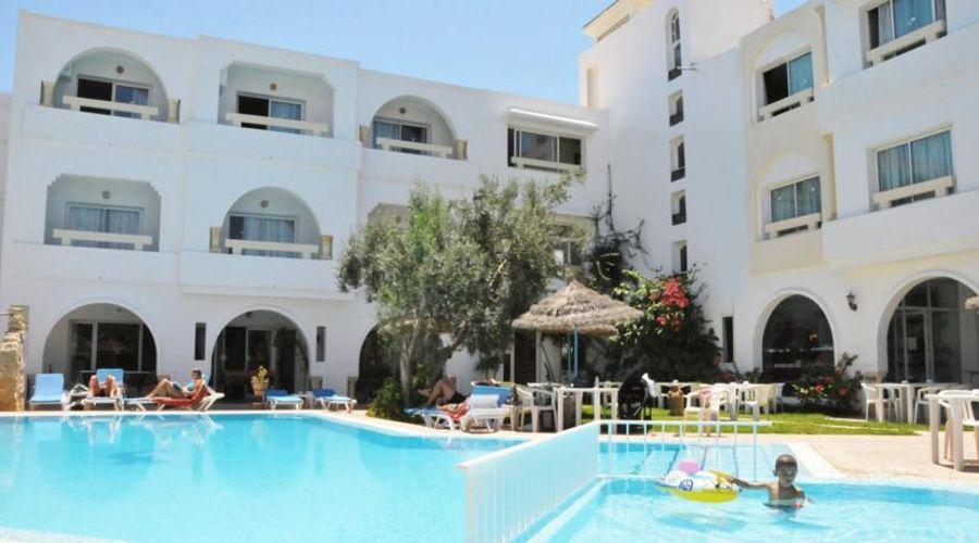 Hotel Residence Romane-7 of 46 photos