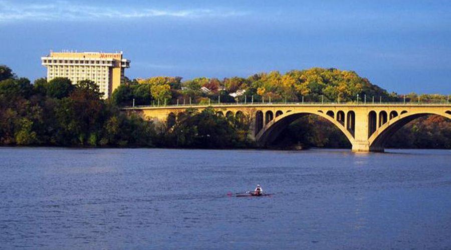 Key Bridge Marriott-3 of 36 photos